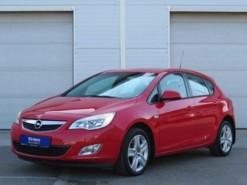 Opel Astra 2011 г. (красный)