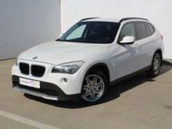 BMW X1 2010 г. (белый)