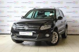 Volkswagen Tiguan 2015 г. (черный)