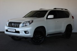 Toyota Land Cruiser Prado 2011 г. (белый)