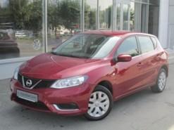 Nissan Tiida 2015 г. (красный)