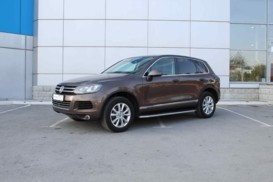 Volkswagen Touareg 2010 г. (коричневый)