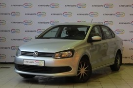 Volkswagen Polo 2013 г. (серебряный)