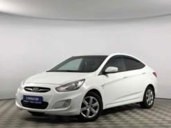 Hyundai Solaris 2012 г. (белый)