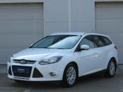 Ford Focus 2012 г. (белый)