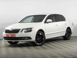 Škoda Superb 2013 г. (белый)