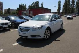 Opel Insignia 2011 г. (белый)