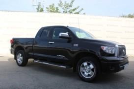 Toyota Tundra 2011 г. (черный)