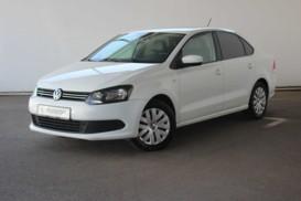 Volkswagen Polo 2015 г. (белый)