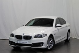 BMW 5er 2016 г. (белый)