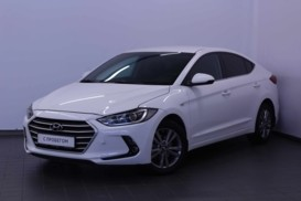 Hyundai Elantra 2017 г. (белый)