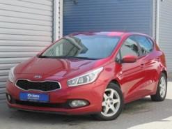 Kia Ceed 2012 г. (красный)