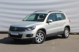 Volkswagen Tiguan 2013 г. (серый)