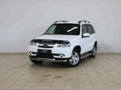 Chevrolet Niva 2012 г. (белый)