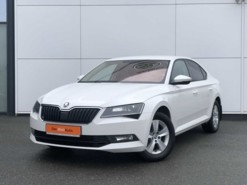 Škoda Superb 2018 г. (белый)
