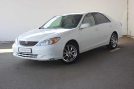 Toyota Camry 2002 г. (белый)