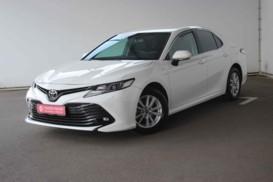 Toyota Camry 2018 г. (белый)