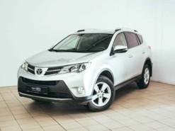 Toyota RAV4 2014 г. (серебряный)