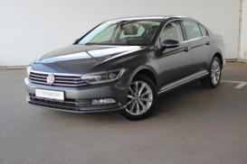 Volkswagen Passat 2015 г. (серебряный)