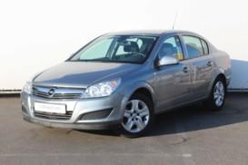Opel Astra 2013 г. (серый)