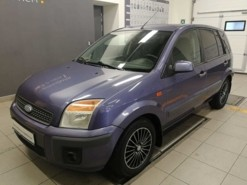 Ford Fusion 2006 г. (фиолетовый)