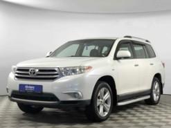 Toyota Highlander 2011 г. (белый)