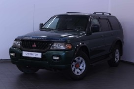 Mitsubishi Montero Sport 2001 г. (зеленый)
