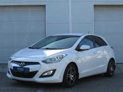 Hyundai i30 2013 г. (белый)