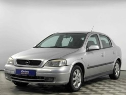 Opel Astra 2003 г. (серебряный)