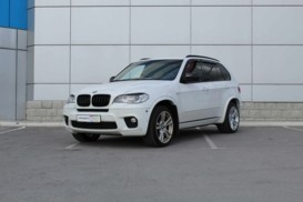 BMW X5 2010 г. (белый)