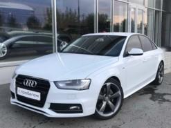 Audi A4 2014 г. (белый)