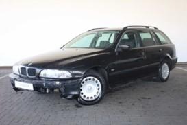 BMW 5er 1999 г. (черный)