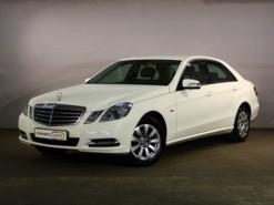 Mercedes-Benz E-klasse 2011 г. (белый)