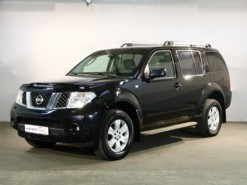 Nissan Pathfinder 2006 г. (черный)