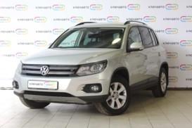 Volkswagen Tiguan 2013 г. (серебряный)