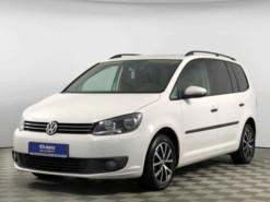 Volkswagen Touran 2012 г. (белый)