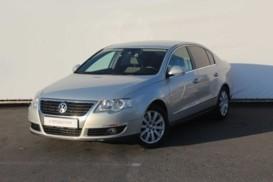 Volkswagen Passat 2009 г. (серый)