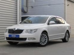 Škoda Superb 2012 г. (белый)