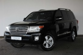 Toyota Land Cruiser 2012 г. (черный)