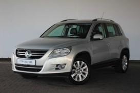 Volkswagen Tiguan 2010 г. (серебряный)