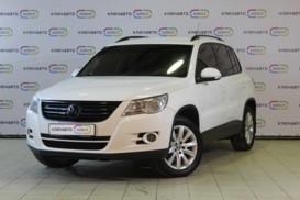 Volkswagen Tiguan 2010 г. (белый)
