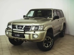 Nissan Patrol 2003 г. (бежевый)