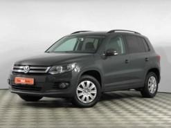Volkswagen Tiguan 2015 г. (серый)
