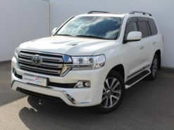 Toyota Land Cruiser 2016 г. (белый)