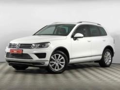 Volkswagen Touareg 2015 г. (белый)
