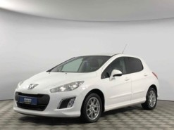 Peugeot 308 2013 г. (белый)