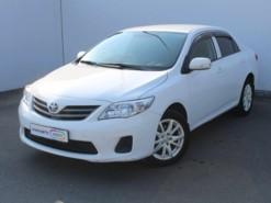 Toyota Corolla 2012 г. (белый)